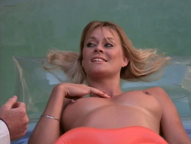 Bea Fiedler nude bush Taaffe O'Connell and Louisa Moritz nude too - Hot Chili (1985) (1)