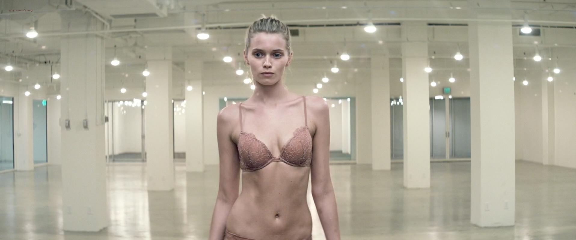 Elle Fanning hot Jena Malone, Bella Heathcote and Abbey Lee nude, topless, bush- The Neon Demon (2016) 1080p WEB-DL (12)
