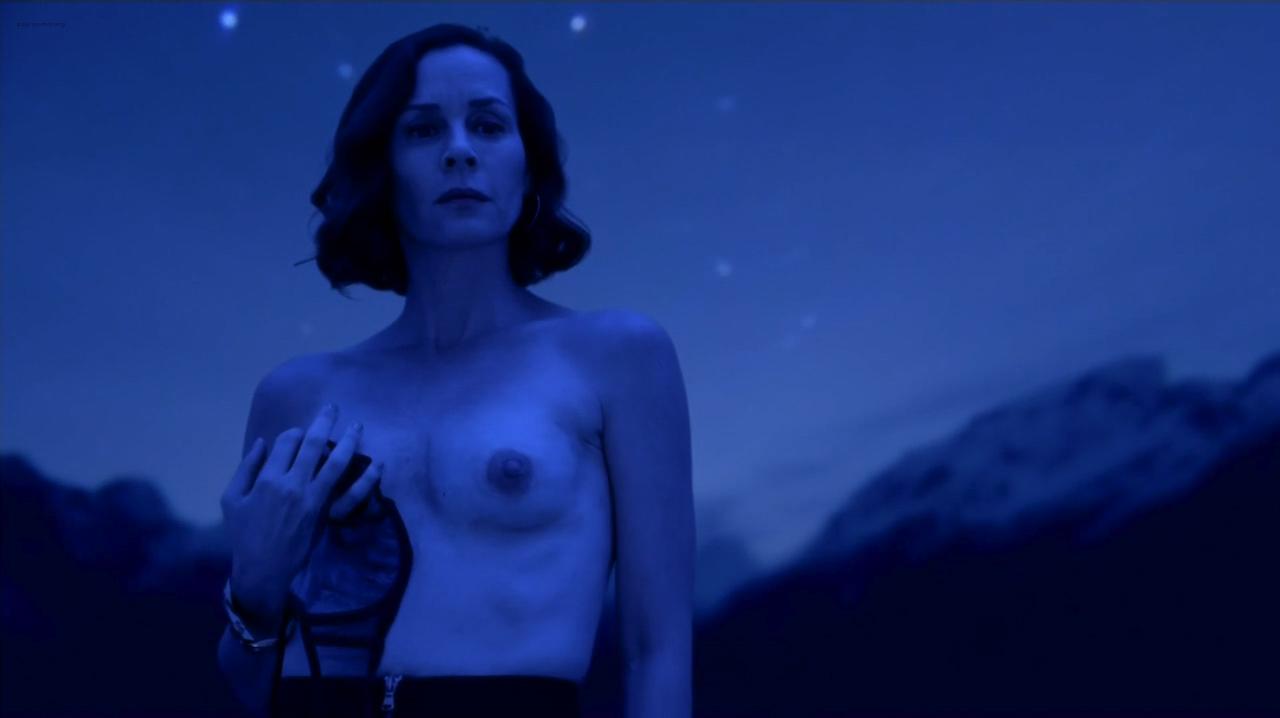 Paula Malcomson nude topless and Embeth Davidtz nude too - Ray Donovan (2016) s4e6 HD 720p (2)