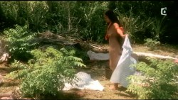 Irina Cardoso nude topless other's nude too - Les Aventuriers des mers du Sud (FR-2006) HDTV (6)