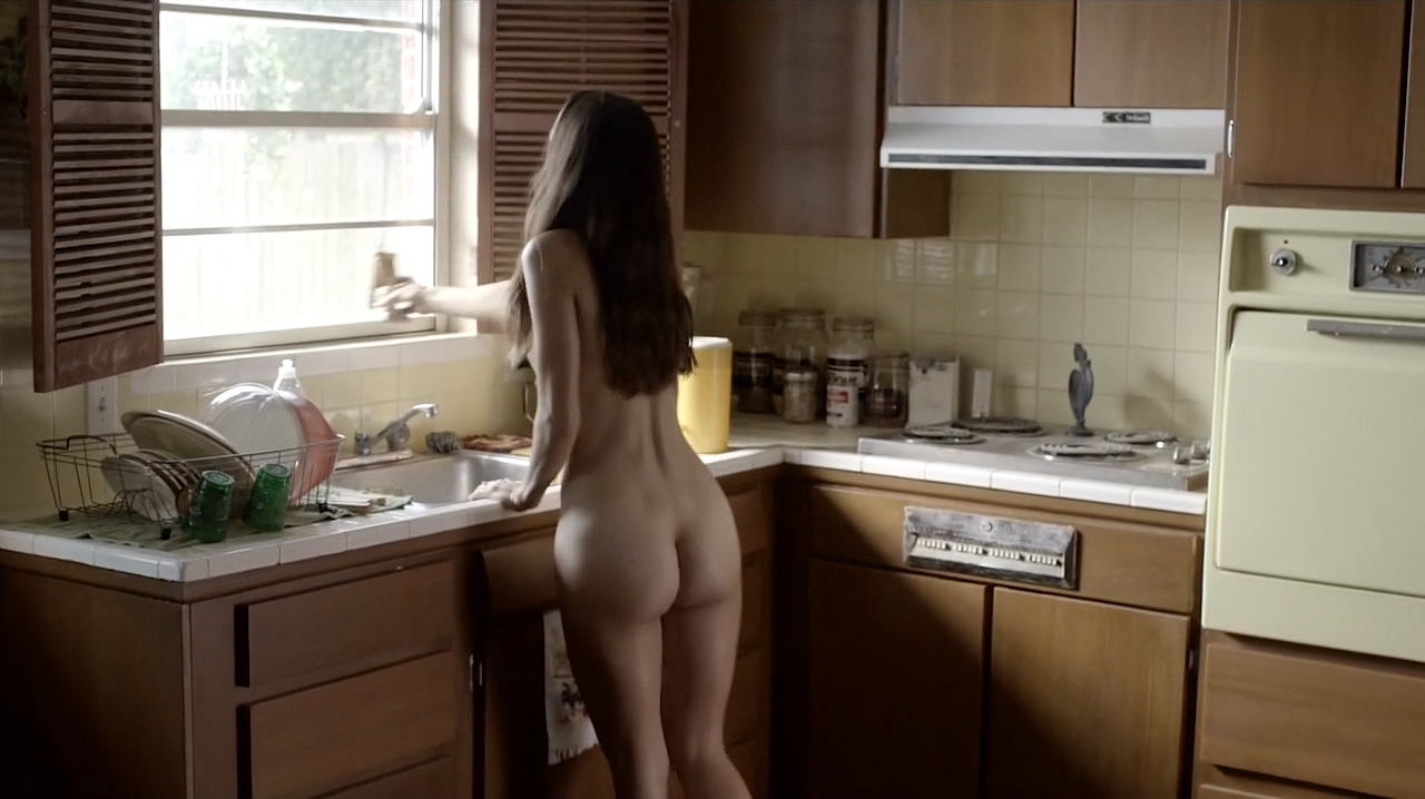 Jodi Balfour nude topless, butt and sex - Quarry (2016) s1e1 HD 720p (1)