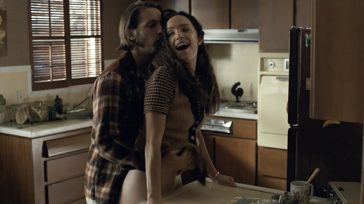 Kale Ronayne nude topless and butt and Jodi Balfour sex doggy style - Quarry (2016) s01e06 HD 720p (7)