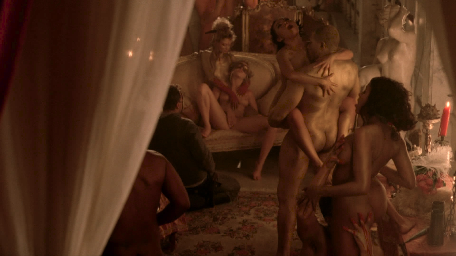 Thandie Newton nude topless Evan Rachel Wood nude nipple and butt other's nude - Westworld (2016) s1e5 HD 1080p (13)