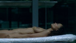 Thandie Newton nude topless Evan Rachel Wood nude nipple and butt other's nude - Westworld (2016) s1e5 HD 1080p (8)