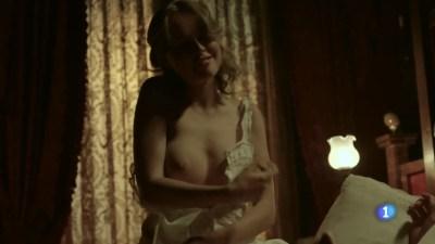 Esmeralda Moya nude topless and sex - Victor Ros (ES 2016) s2e1 HDTV 720p (3)
