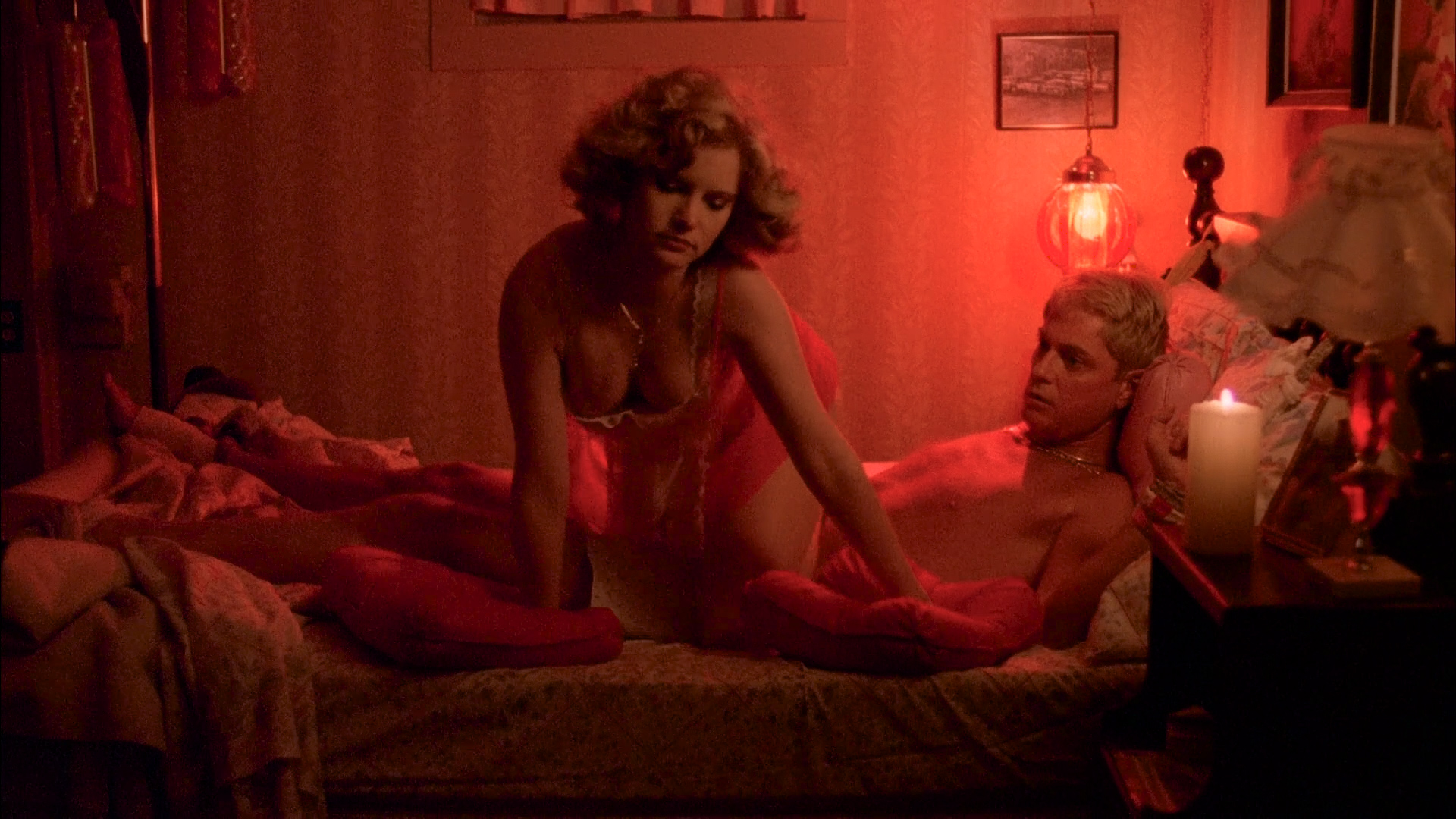 Jamie Lee Curtis nude topless and Jennifer Jason Leigh hot and sexy - Grandview U.S.A (1984) HD 1080p BluRay (1)