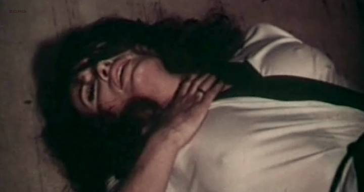 Marisa Mell nude topless and sex and Helga Line nude topless - La moglie giovane (IT-1974) (10)