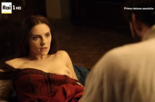Annabel Scholey nude sex and Valentina Belle nude too – Medici Masters of Florence (2016) s1e6-8 HD 1080p