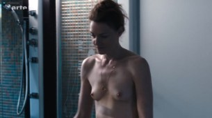 Kate Moran nude topless and sex – Cannabis (2016) s1e4-5 HD 720p (2)