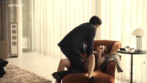 Kate Moran nude topless and sex – Cannabis (2016) s1e4-5 HD 720p (10)