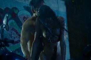 Paulina Andreeva nude bush and lot of sex, Nelly Botnaru nude sex and Ekaterina Volkova boobs - Sarancha (RU-2014) HD 1080p Web-Dl (8)