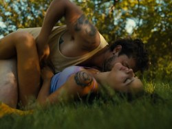 Riley Keough nude topless Sasha Lane nude bottomless - American Honey (2016) HD 1080p (14)