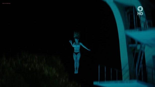 Saskia Rosendahl nude topless and wet - Zorn Vom Lieben und Sterben (DE-2015) HDTV 720p (7)