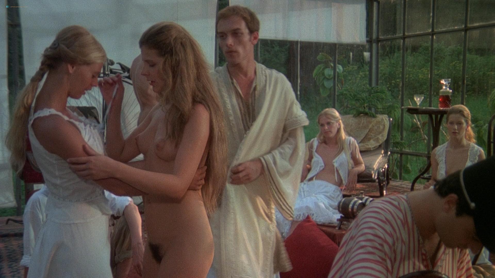 Sexy naked colombian sluts