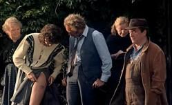 Beatrice Camurat nude topless and wet - Un chien dans un jeu de quilles (FR-1983) (4)
