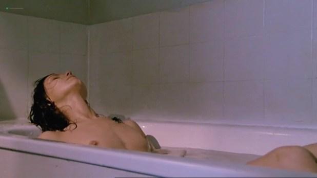 Fanny Bastien nude full frontal - Urgence (FR-1985) (5)