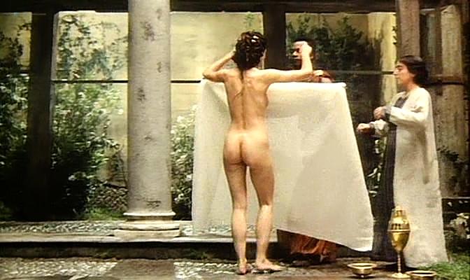 Isabella Ferrari nude topless Carole Bouquet nude butt Isabella Dandolo nude- Dagobert (IT-1984) (16)