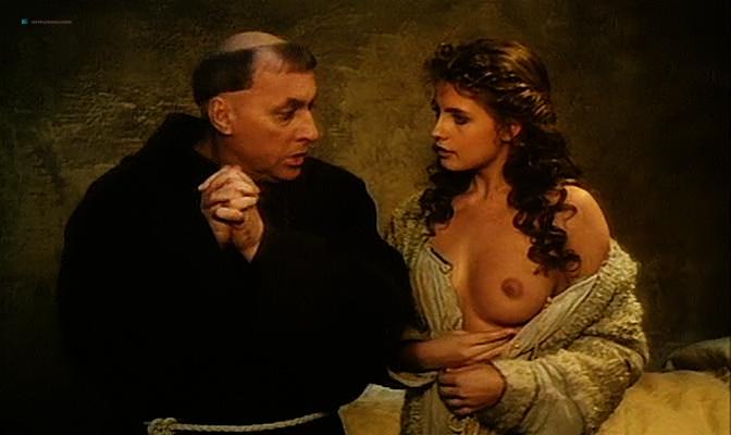 Isabella Ferrari nude topless Carole Bouquet nude butt Isabella Dandolo nude- Dagobert (IT-1984) (13)