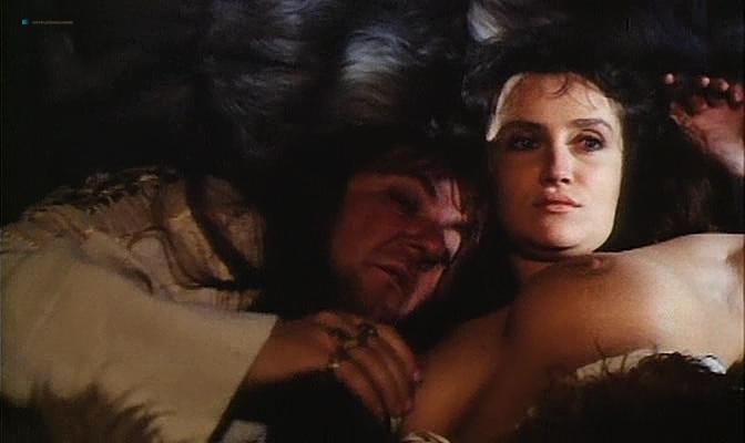 Isabella Ferrari nude topless Carole Bouquet nude butt Isabella Dandolo nude- Dagobert (IT-1984) (8)