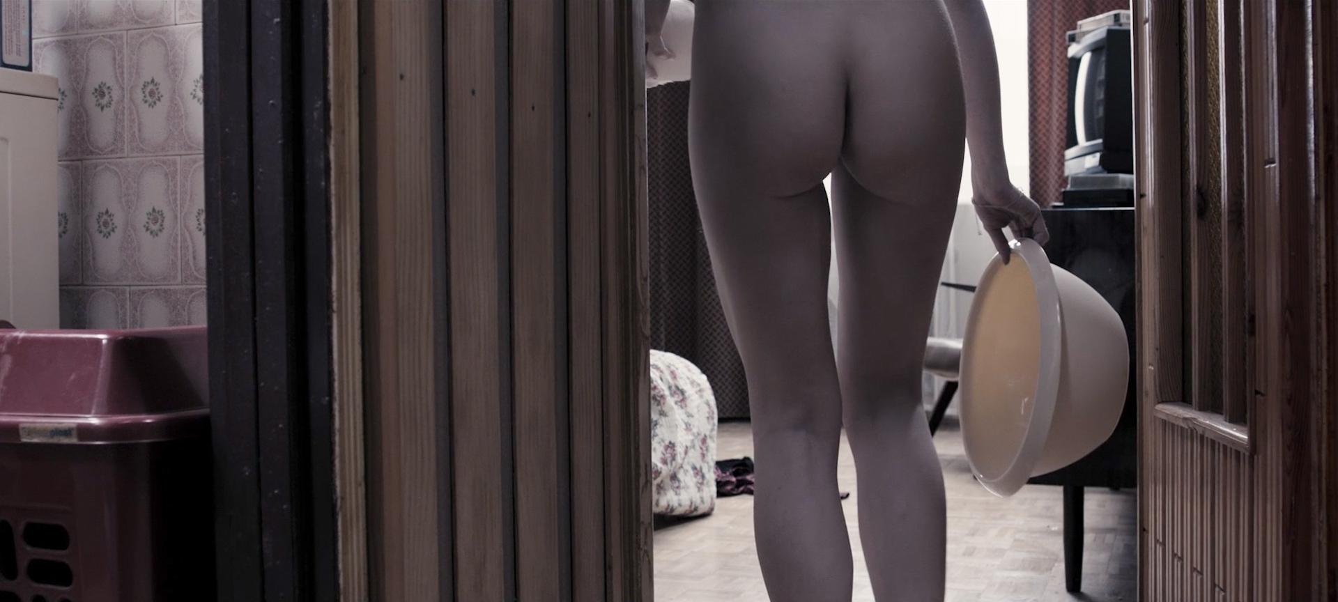 Julia Kijowska nude bush and sex and Marta Nieradkiewicz nude full frontal - Zjednoczone stany milosci (PL-2016) HD 1080p BluRay (4)