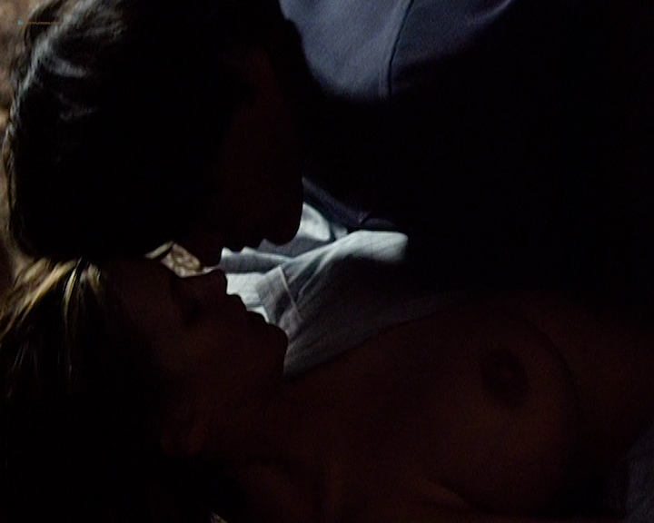 Natasha Henstridge nude topless and sex - Caracara (1999) (3)
