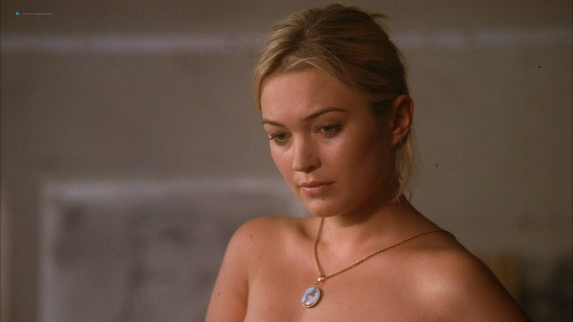 Sophia Myles nude butt and topless - Art School Confidential (2006) HD 1080p Web (7)
