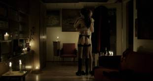 Alicja Karluk nude butt and Agnieszka Michalska nude - Ostatnia rodzina (PL-2016) HD 1080p BluRay (12)