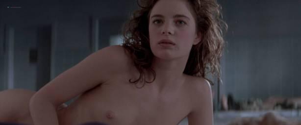 Gabrielle Anwar nude topless Meg Tilly hot - Body Snatchers (1993) HD 1080p BluRay (12)