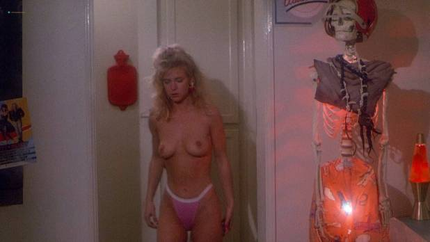 Hope Marie Carlton nude topless and sex - Slaughterhouse Rock (1988) HD 1080p BluRay (6)