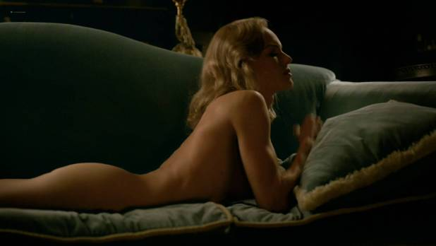Kate Bosworth nude nipple and bit of butt - SS-GB (2017) s1e2 HD 1080p (1)