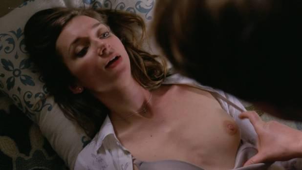 Lauren Lapkus nude brief boob - Crashing (2017) s1e1 HD 1080p WebDl (2)