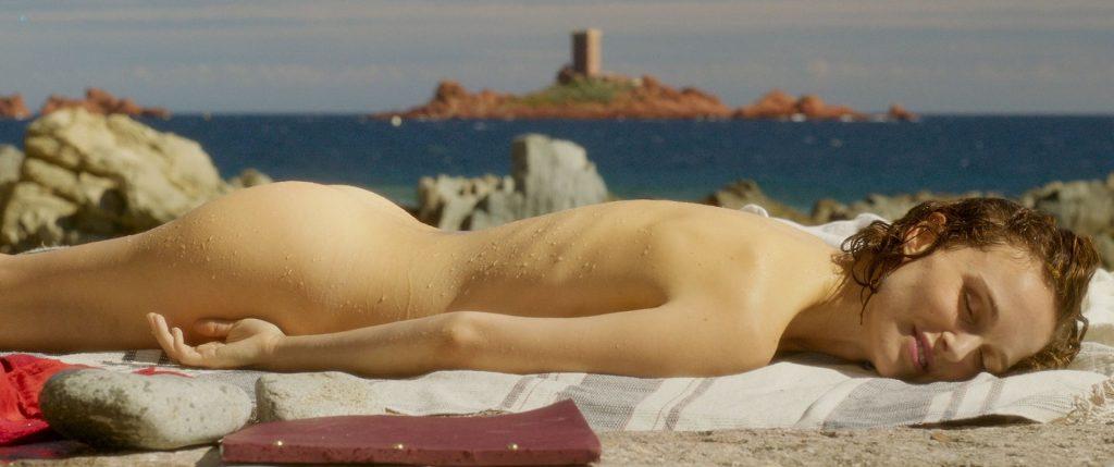 Natalie Portman nude butt - Planetarium (2016) HD 1080p BluRay (2)
