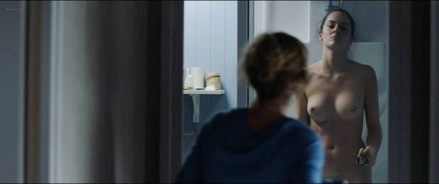 Noémie Merlant nude full frontal - Le Ciel Attendra (FR-2016) HD 1080p (8)