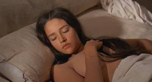 Olivia Hussey nude topless - Romeo and Juliet (1968) HD 1080p BluRay (3)