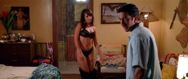 Anne Heche hot, wet bikini and c-true Jacqueline Obradors hot - Six Days Seven Nights (1998) HD1080p WEB (3)