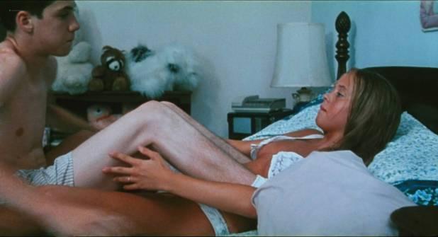 Chloë Sevigny nude brief bush sex Sarah Henderson, Carisa Glucksman hot- Kids (1995) HD1080p BluRay (6)