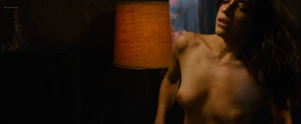 Michelle Rodriguez nude full frontal Caitlin Gerard nude and Lia Lam hot - The Assignment (2016) HD 1080p (17)