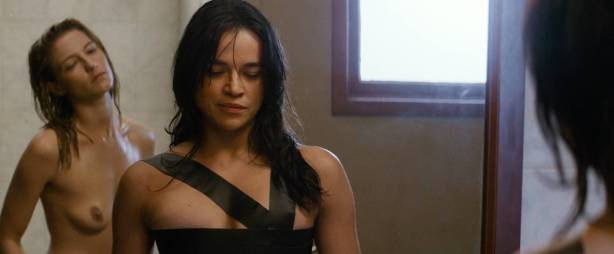 Michelle Rodriguez nude full frontal Caitlin Gerard nude and Lia Lam hot - The Assignment (2016) HD 1080p (13)