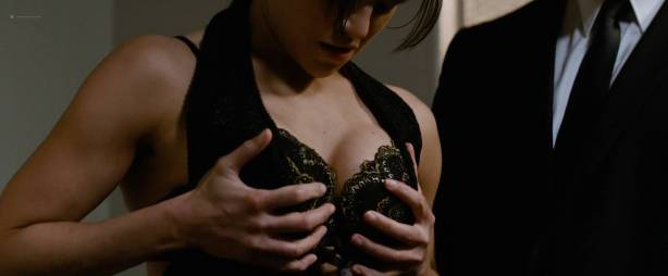 Michelle Rodriguez nude full frontal Caitlin Gerard nude and Lia Lam hot - The Assignment (2016) HD 1080p (12)