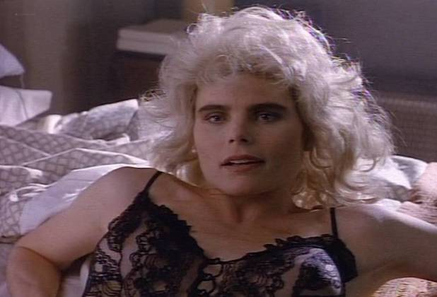 Mariel Hemingway nude side bob sexy in lingerie - Tales from the Crypt (1991) s3e1 (7)