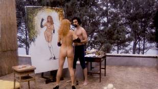 Angelique Pettyjohn nude butt and Liza Minnelli nude butt too - Tell Me That You Love Me Junie Moon (1970)