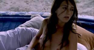 Carice Van Houten nude topless, young and very hot - Zwarte Zwanen (NL-2005) (7)