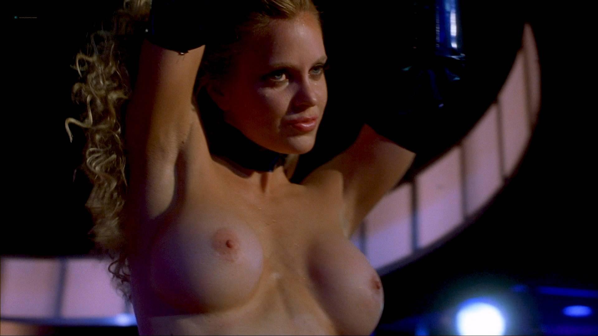 Charlotte Bradley  nackt