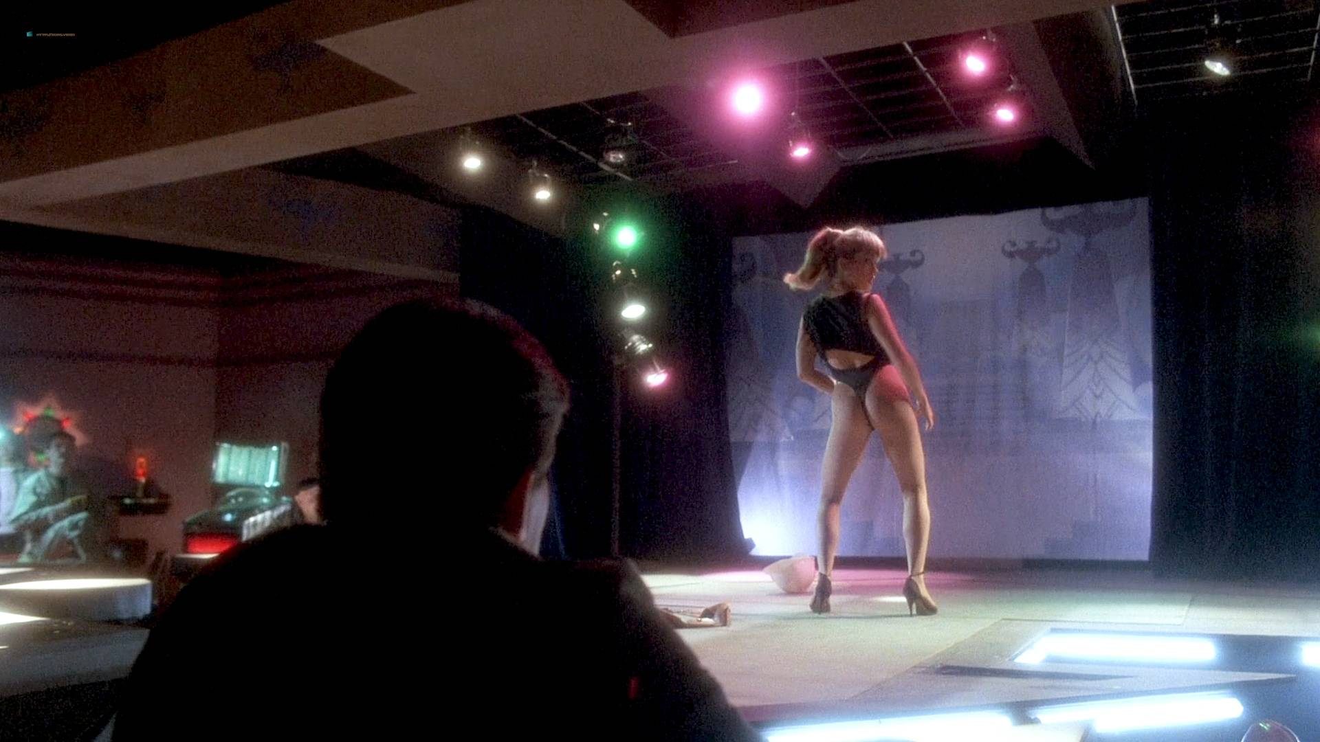 Grace Jones nude Lisa Lyon hot thong and Tricia Burns nude topless - Vamp (1986) HD 1080p BluRay (11)