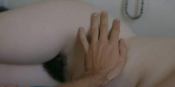 Kathryn Hahn nude full frontal Roberta Colindrez and Dahlya Glick bush - I Love Dick (2017) s1e5 HD 720p (11)
