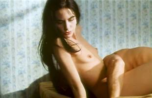Lio nude topless and bush and Léa Gabriele nude topless - Sale comme un ange (FR-1991)