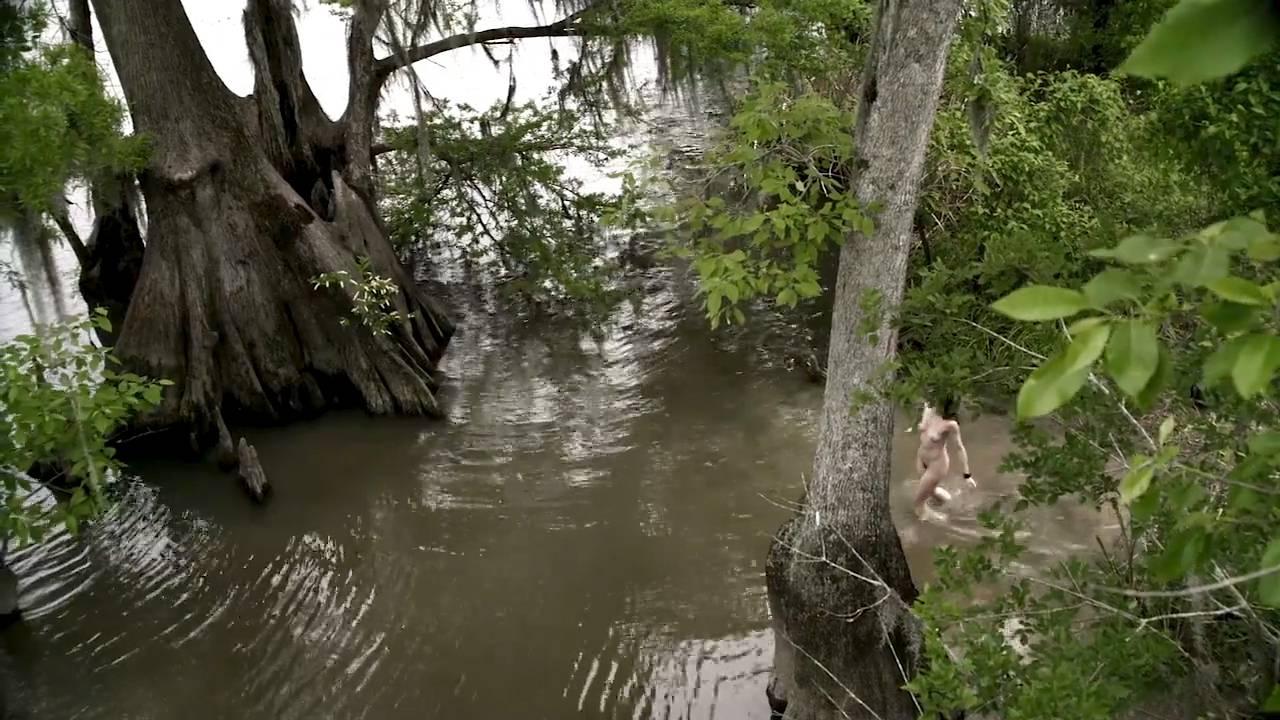 Serinda Swan hot Amanda Fuller, Lauren Schneider Jennifer Lynn Warren nude – Creature (2011) HD 720p (13)
