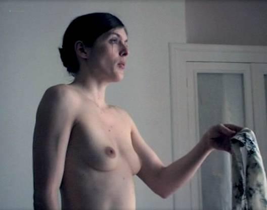 Valérie Donzelli nude full frontal - La reine des pommes (FR-2009) (6)