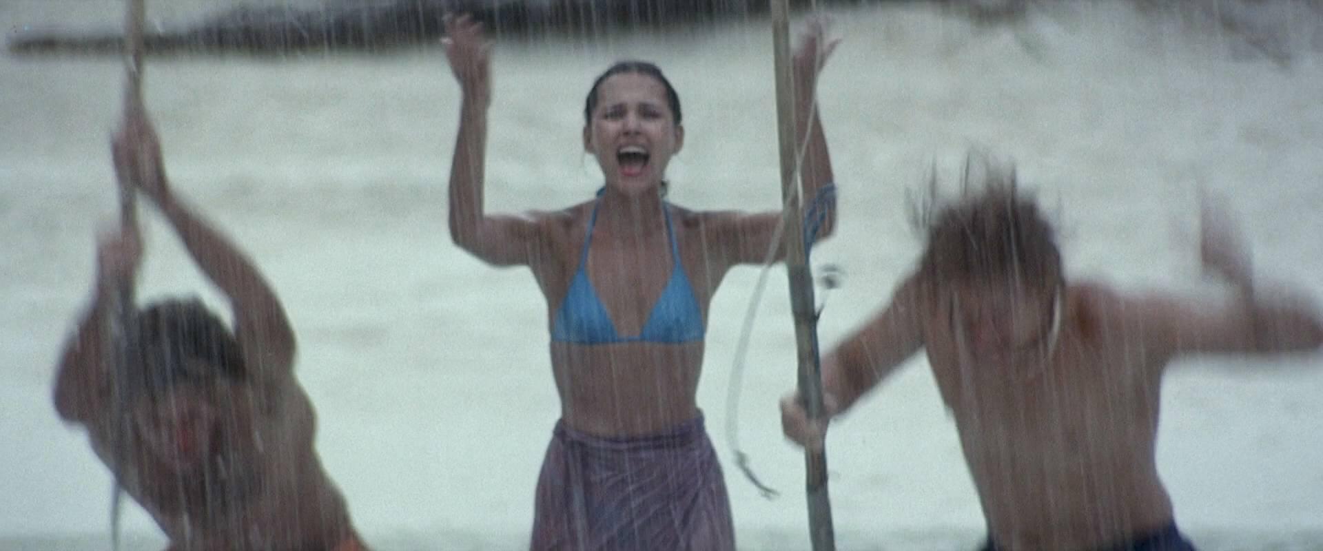 Virginie Ledoyen nude topless Tilda Swinton hot sex - The Beach (2000) HD 1080p BluRay (6)