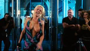 Jenny McCarthy nude topless - Dirty Love (2005) HD 720p WEB